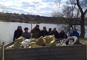 На Кіровоградщині зібрано 30 мішків та причіп сміття з берегу  водойми області